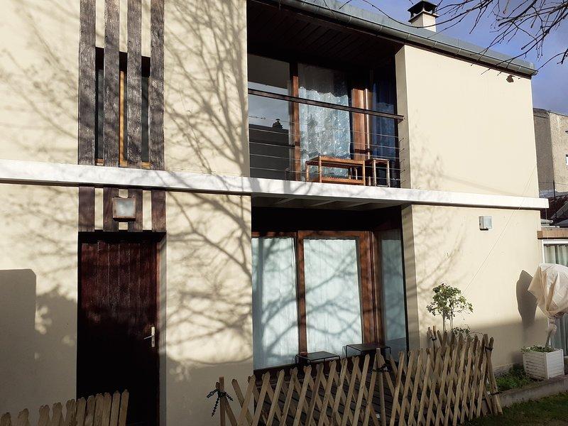 Grand duplex très calme dans impasse privée, location de vacances à Chevilly Larue