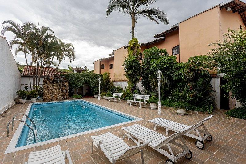 Casa com piscina em Caraguatatuba – Praia de Martim de Sá, holiday rental in Caraguatatuba