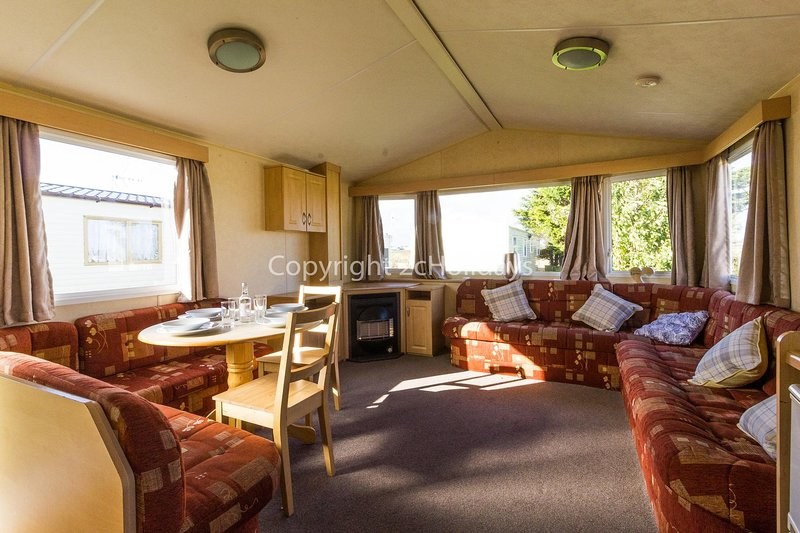 Spacious and open plan living/dining area!