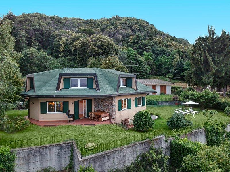 Villa Regina Bella  -Lago Maggiore-, holiday rental in Fosseno