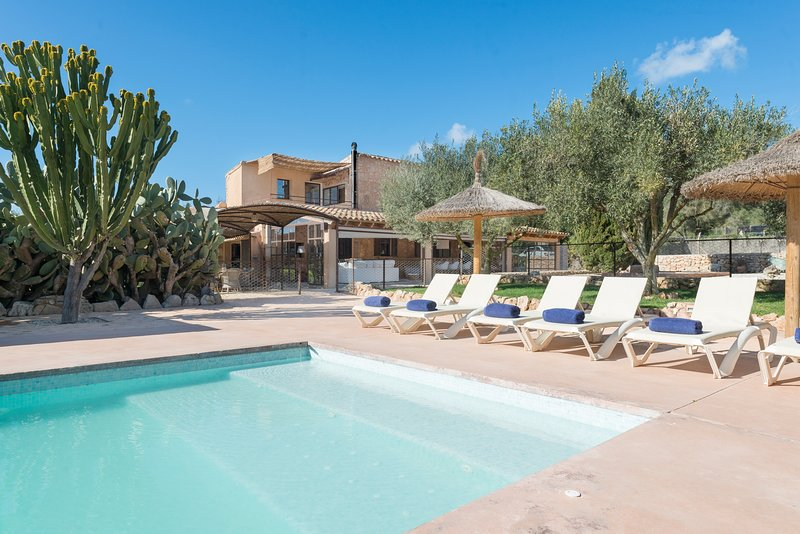 CAN PRIM - Villa for 8 people in Sant Llorenç Des Cardassar, holiday rental in Sant Llorenç des Cardassar