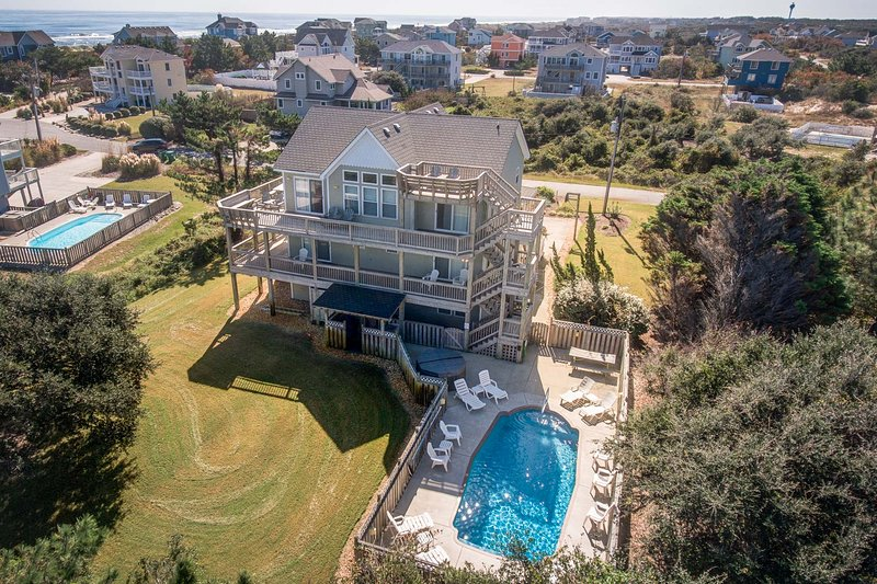 Pelican Pointe | 355 ft from the Beach | Private Pool, Hot Tub | Corolla, alquiler de vacaciones en Grandy
