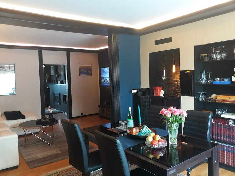 Apartment in townhouse with garden in peacefull high-class city west fairground, location de vacances à Teltow