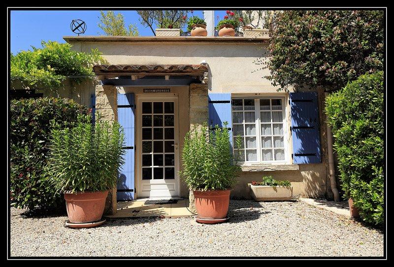 Chez Pauline at Mas Saint Antoine sleep 2, holiday rental in Barbentane