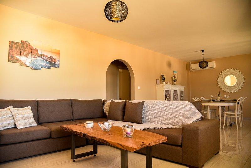 Elegant Apertment in Kastelia - Amoopi, holiday rental in Kásos