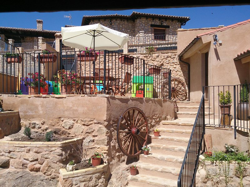 Casas rurales Cella, Las Cerezas, holiday rental in Noguera de Albarracin