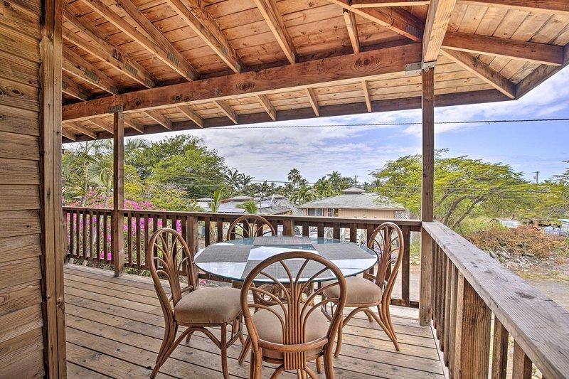 NEW! Stylish Home, < 2 Miles to Magic Sands Beach!, aluguéis de temporada em Holualoa