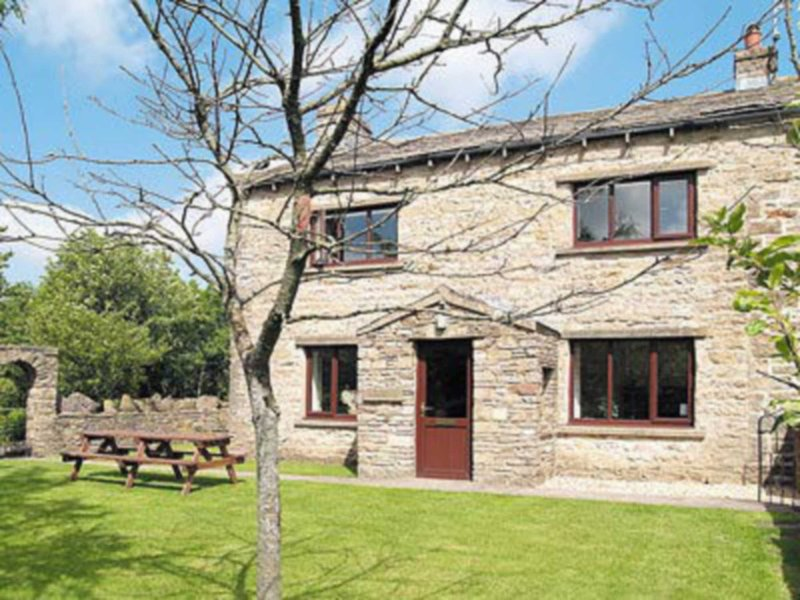 The Farmhouse, holiday rental in Gayle