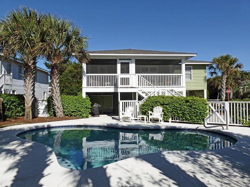 Private Pool Beach House, Screened Porch, Dog Friendly, Residential Location, alquiler de vacaciones en Pawleys Island