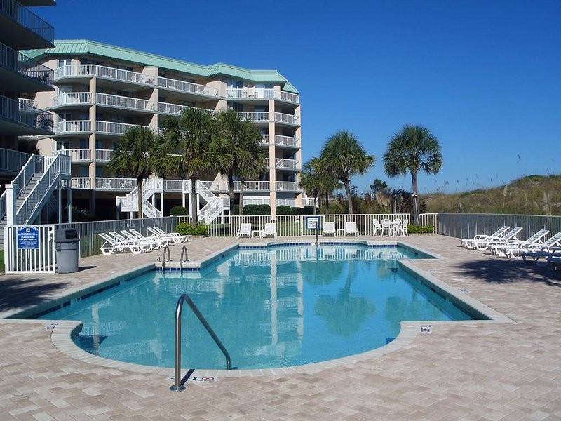 Oceanfront Top Floor Condo, Spectacular View, Elevator, Pool, Resort Setting, alquiler de vacaciones en Pawleys Island