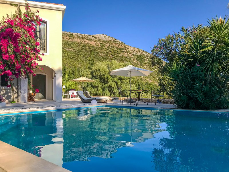 Luxurious Villa Amadeus in Poros, Lefkada Offers 10%Off For Bookings InEarlyJuly, holiday rental in Mikros Gialos