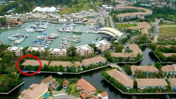 Boat lagoon Marina Residences 2 Bedrooms( Corner Unit with waterfront ), casa vacanza a Koh Kaew