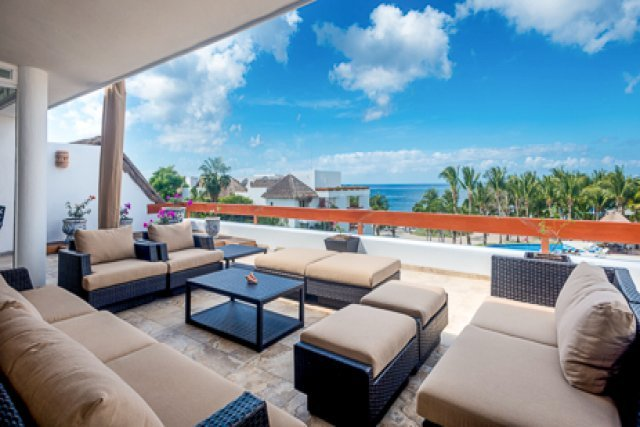 Residencias Reef 6320 - Spectacular 3 Bedroom Penthouse with a Great Rooftop, holiday rental in Cozumel