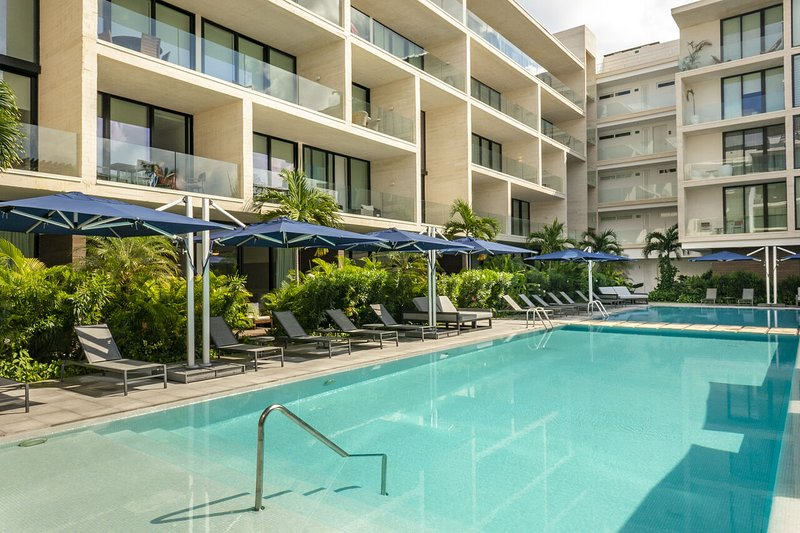 Oceana 123 ➸ Unique beach club 20+Mbps apartment *monthly rates, holiday rental in Solidaridad