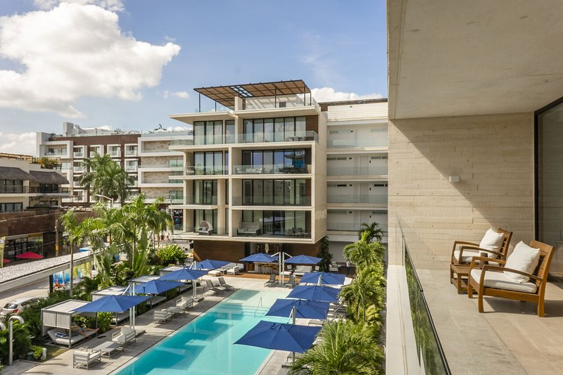 Oceana 325 ➸ Modish beach club 20+Mbps apartment *monthly rates, holiday rental in Solidaridad