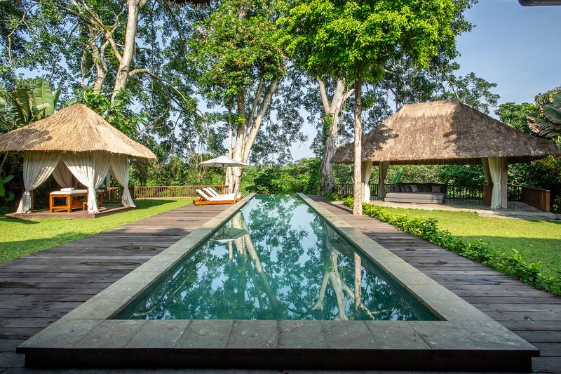 Luxury Jungle Villa, 3 BR, Ubud w/ staff, holiday rental in Bedulu