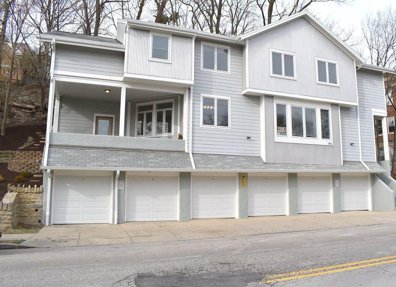 Corridor Lofts Downtown Luxury Home Walk to Cincinnati's Major Attraction, alquiler vacacional en Cincinnati