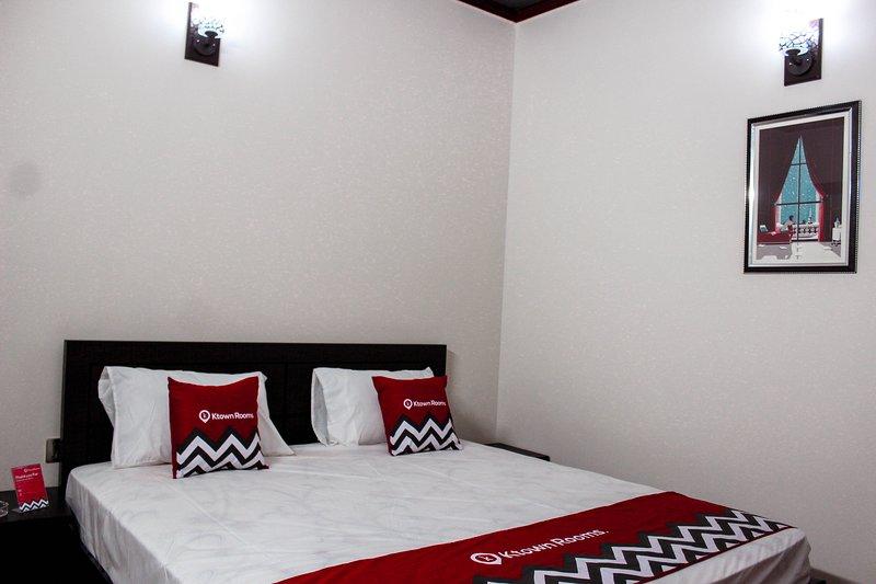 KHI 002 GUL, vacation rental in Karachi