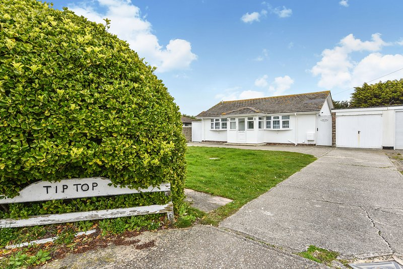 Tip Top, Bracklesham, holiday rental in Bracklesham Bay