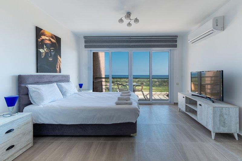 Luna Apartment with Sea View, alquiler vacacional en Yeni Erenkoy