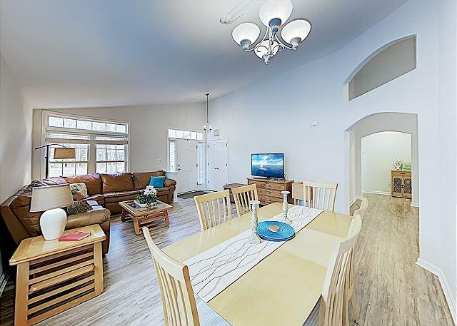 New Listing! Prime Eastern Shore Getaway w/ Access to 5 Pools & Beach Club, holiday rental in Ocean Pines