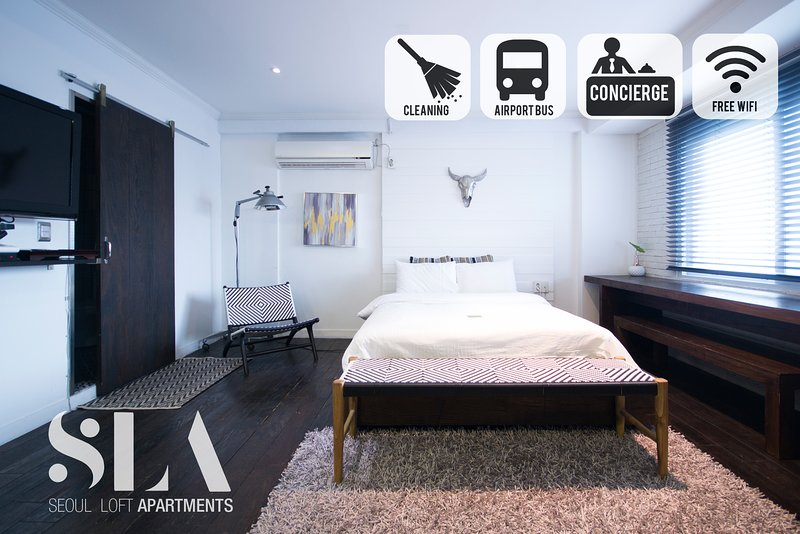 Spacious open concept loft, Fully furnished, Includes cleaning.  / Jongno / SNUH, holiday rental in South Korea