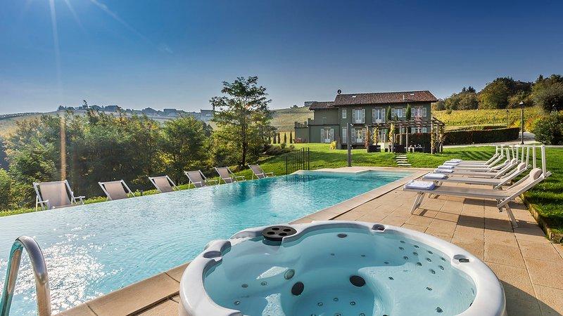 CASALE DELL'ACERO ROSSO 10, Emma Villas Exclusive, holiday rental in Castiglione Tinella