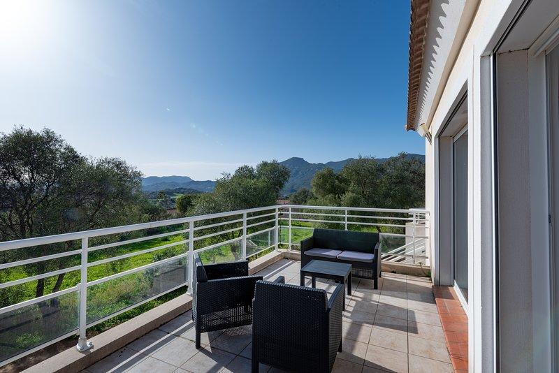 Matteo Laricio - Appartement T3 vue montagne, holiday rental in Cuttoli-Corticchiato
