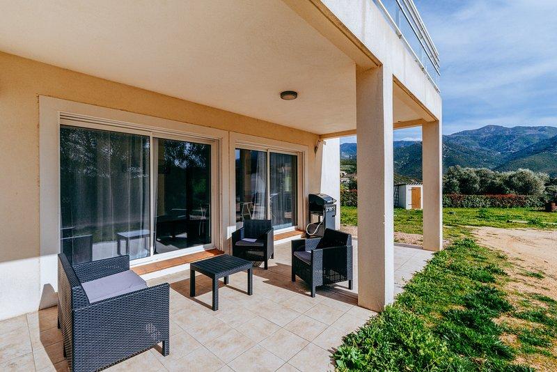 Matteo Leccia - Appartement T3 vue montagne, holiday rental in Cuttoli-Corticchiato