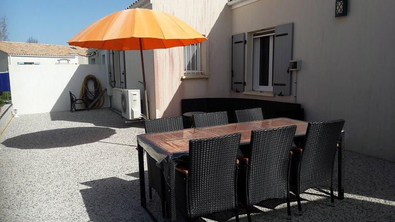 Beautiful house with garden & Wifi, vakantiewoning in Medis