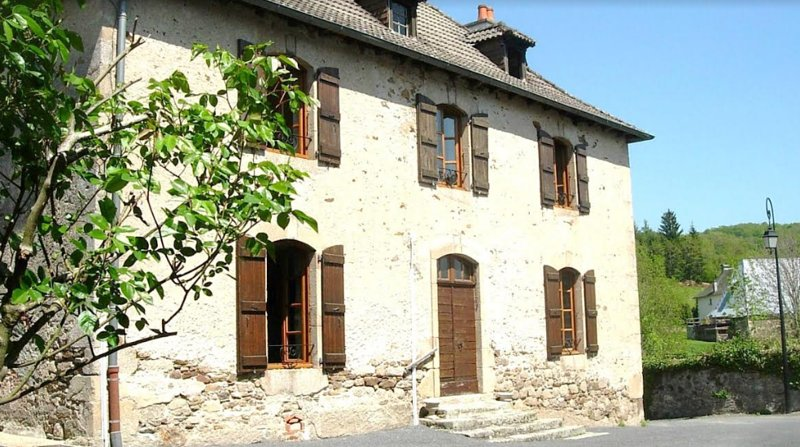 Nice apartment in Vitrac & Wifi, holiday rental in Roumegoux