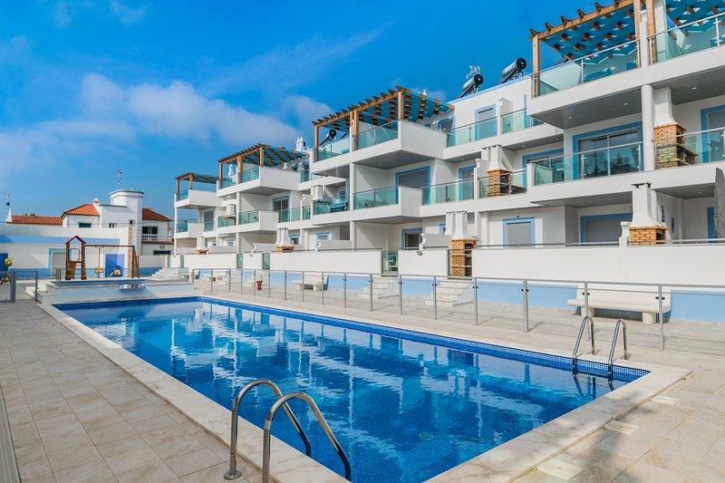 Salsola Blue Duplex Apartment, Manta Rota, Algarve, !New!, holiday rental in Ribeira da Gafa