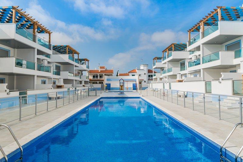 Salsola White Duplex Apartment, Manta Rota, Algarve, !New!, alquiler vacacional en Manta Rota