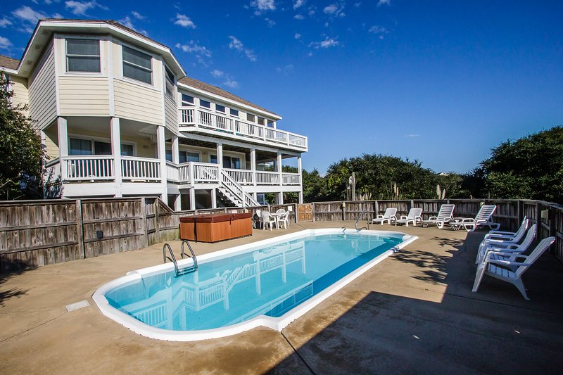 Oasis | 885 ft from the beach | Private Pool, Hot Tub | Corolla, alquiler de vacaciones en Corolla