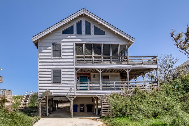 Sentimental Journey | Oceanfront | Dog Friendly, Community Pool | Duck, holiday rental in Duck