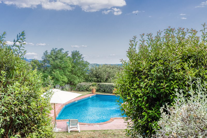 Hilltop Villa in the dreamy Orvieto countryside, holiday rental in Sala