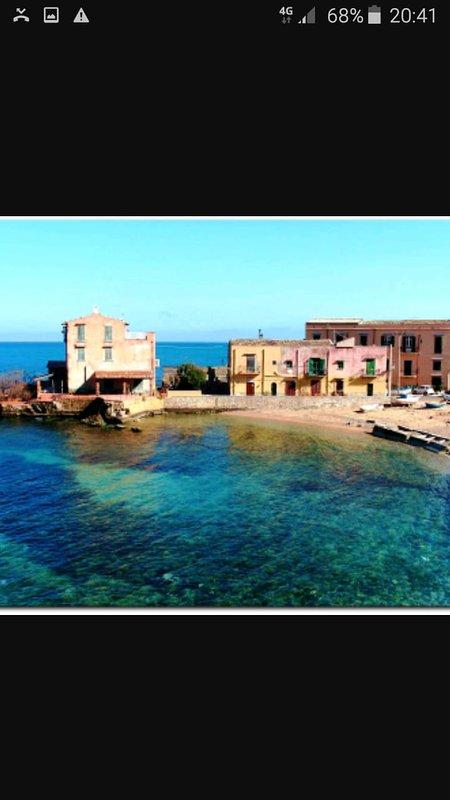la bella spiaggia di Porticello vicino a Villa Paladino Solunto