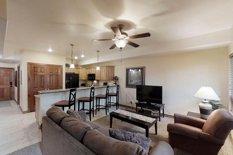 Dog-friendly condo near town w/ free WiFi, full kitchen, and more!, holiday rental in Pagosa Springs