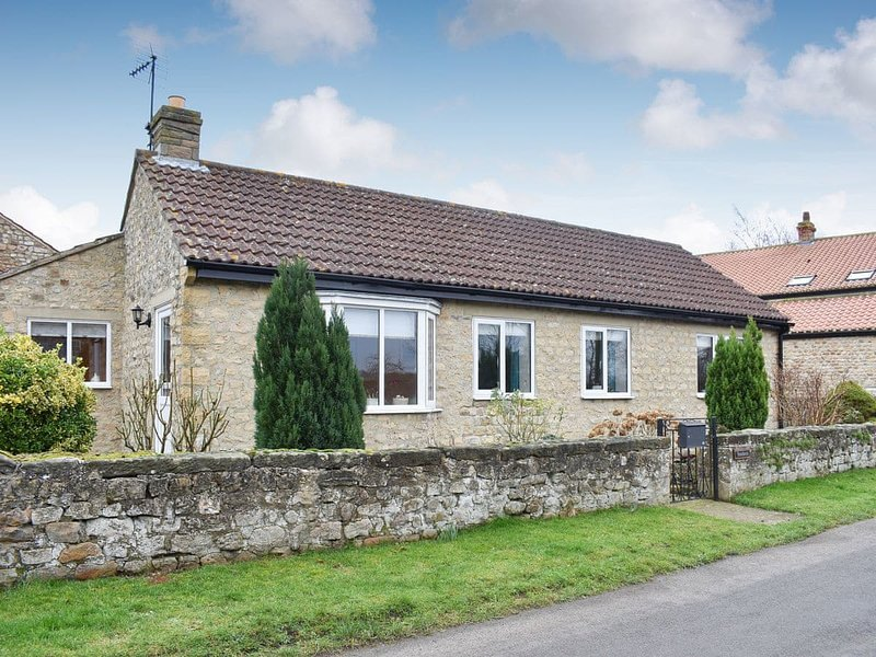 Stonehaven Cottage, holiday rental in Ainderby Quernhow