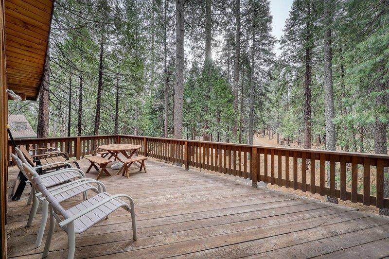 Garber Kiowa Retreat-Relax and enjoy the forest views