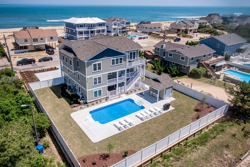 At Last | 240 ft from the Beach | Private Pool, Hot Tub, vakantiewoning in Virginia Beach