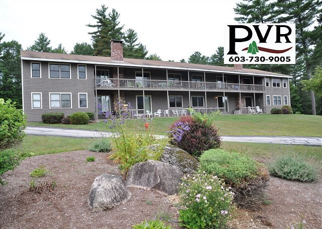 2BR Condo 1 Min to N. Conway Village! Cranmore Views, Pool, Tennis & WiFi!, holiday rental in Conway