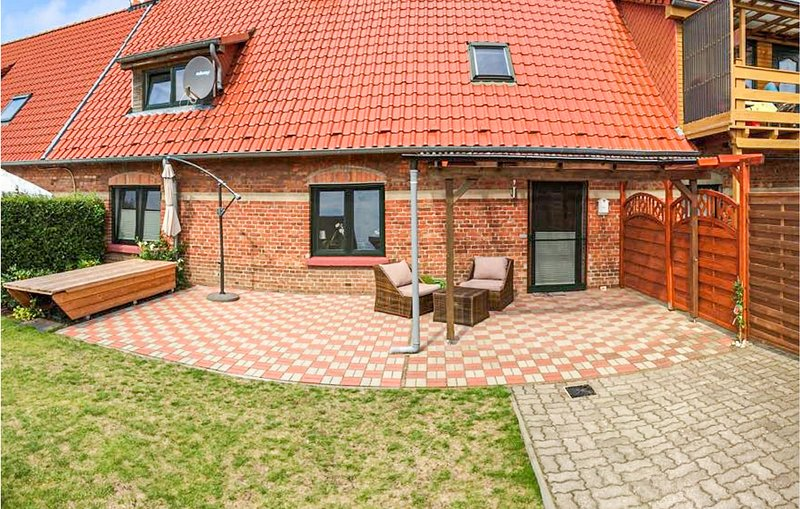 Awesome apartment in Mechelsdorf with 2 Bedrooms (DMK754), location de vacances à Wendelstorf