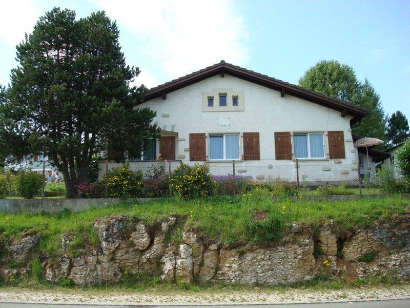 Appartement - Chez Amez, vacation rental in Saint-Ursanne