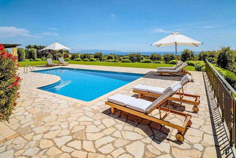 5 min drive to beach 25 min walk to tavernas/shops, casa vacanza a Karavadhos