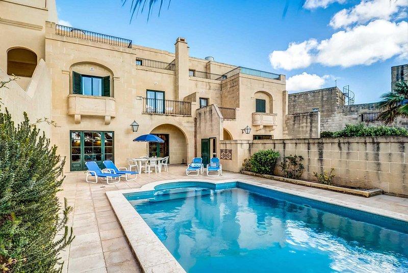 Peaceful rustic villa w/pool Free Wifi and BBQ, vacation rental in Ghasri