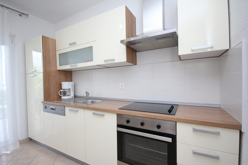 Holiday home 133706 - Holiday apartment 140656, holiday rental in Sibinj Krmpotski