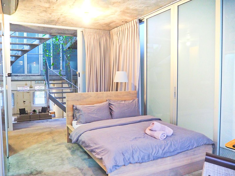Cosy Kyoto Studio in Award Winning Shophouse!, holiday rental in Singapore