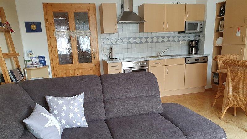 Gemütliche Ferienwohnung mit 2 Schlafräumen und top ausgestatteter Küchenzeile., aluguéis de temporada em Stozec