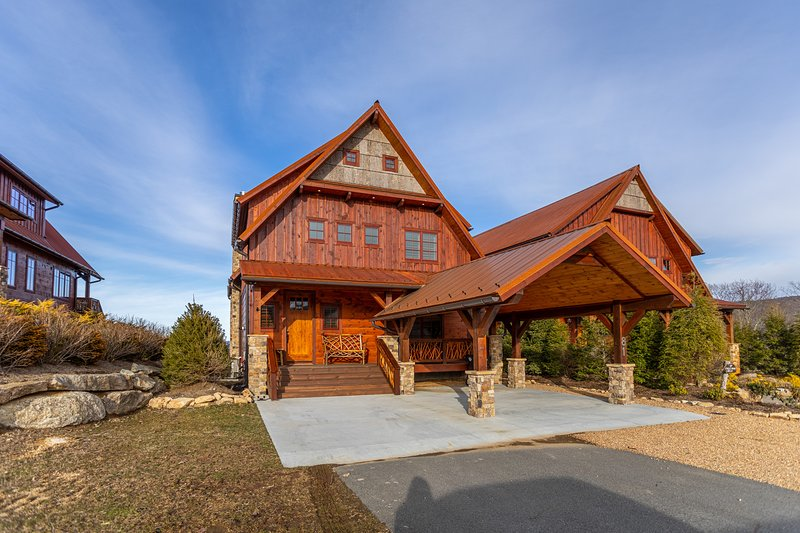 Whitetail Ridge Lodge at Eagles Nest, holiday rental in Banner Elk